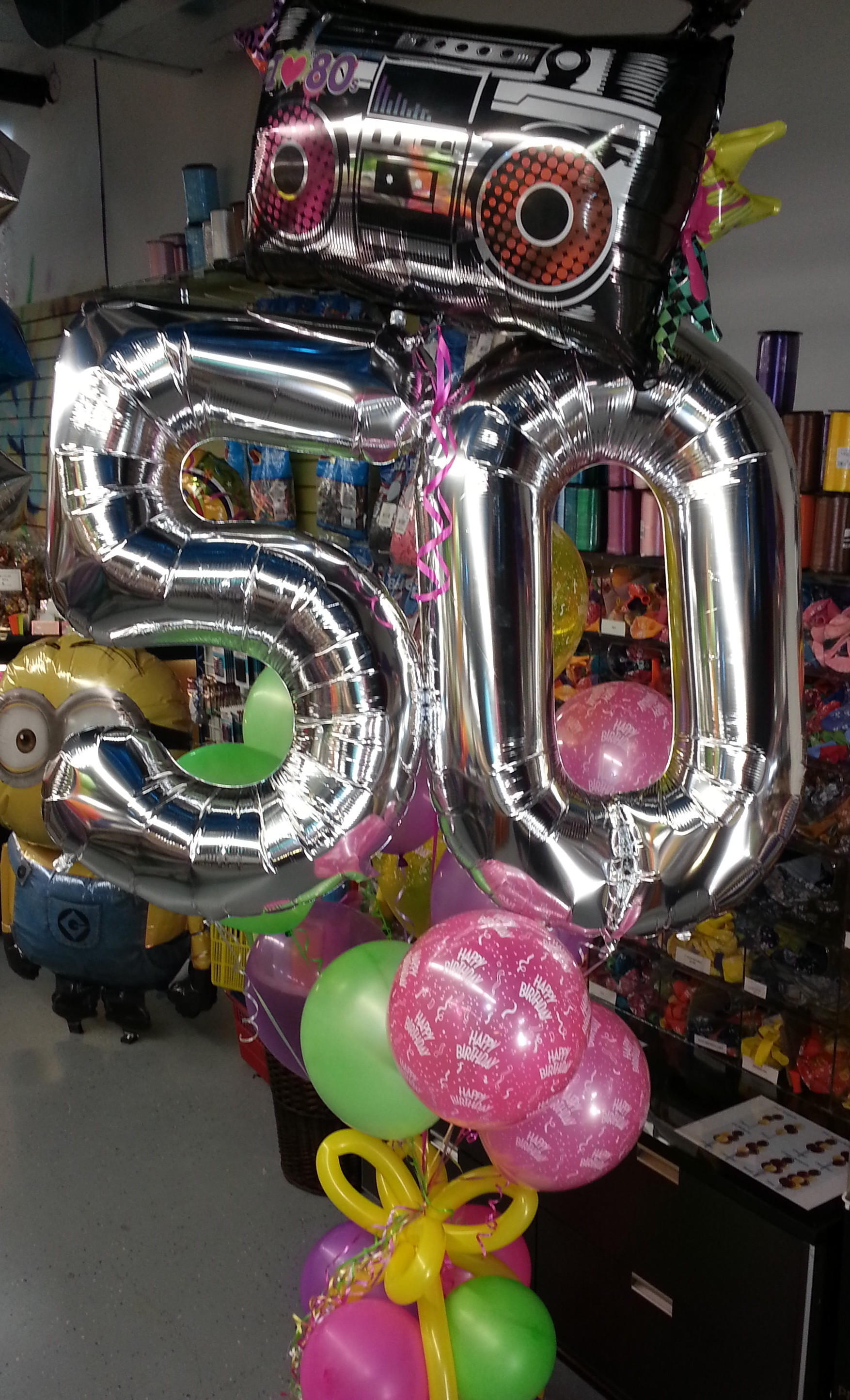 jumbo-50th Birthday-balloon-bouquet-retro-with-balloon-pkg-weight