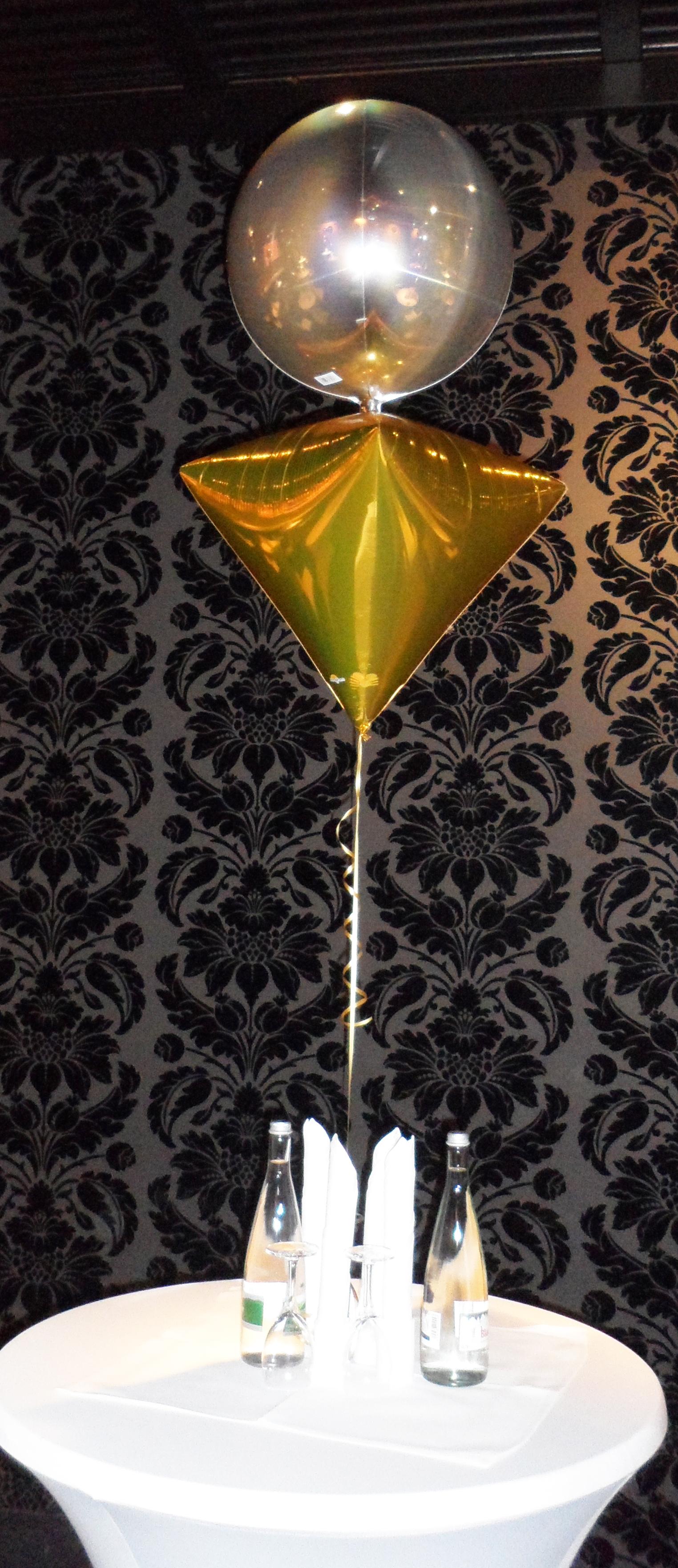 Orbz and Diamond Balloon Centrepiece
